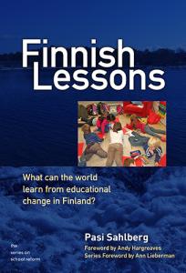 """Copertina del libro """"Finnish Lessons"""": cosa può imparare il mondo dalle innovazioni nella formazione finlandese?"""