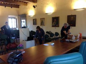 Preparativi incontro di formazione nel Palazzo Nerucci di Castel del Piano